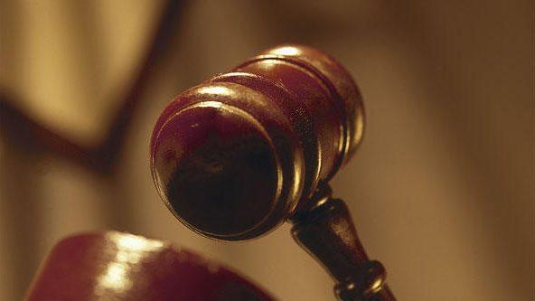 Un homme condamné en Angleterre pour avoir organisé une attaque à l'acide contre son fils