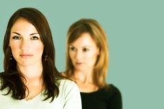 L'intimidation entre femmes: un réel problème pour les entreprises