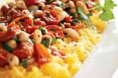 Recette végétarienne: Courge spaghetti aux tomates confites