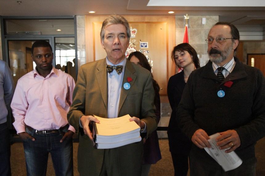 Retrait du protocole de Kyoto: la requête de Daniel Turp entendue le 1er juin