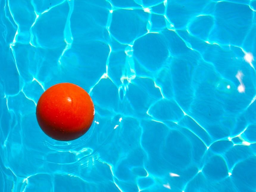 Laurentides: un garçon se noie dans une piscine