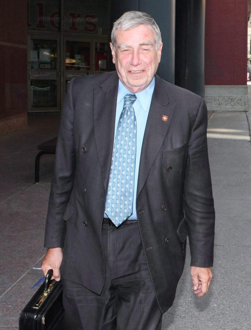 Bruce Carson accusé de trafic d'influence