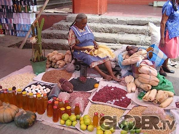 Morelia: jolie ville aux pierres roses