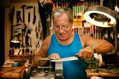 Jean-Claude, aiguiseur de couteaux