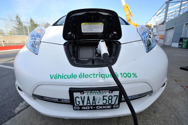 Québec annonce l'ajout de 1130 bornes de recharge