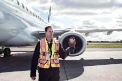 Nicolas Casgrain, fauconnier pour les aéroports