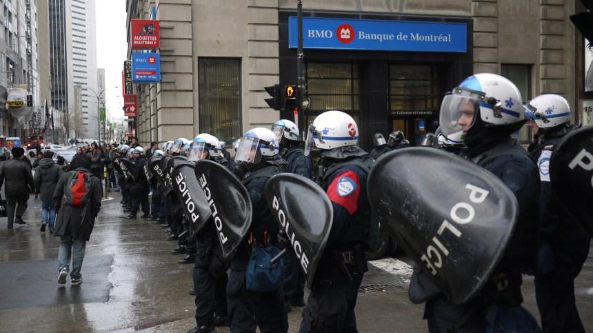 200 manifestants contre la brutalité policière