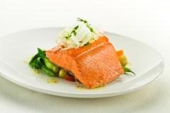Recette de saumon rouge sauvage de la Colombie-Britannique légèrement grillé