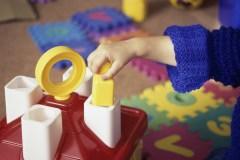 Les garderies coûtent cher aux parents en Ontario