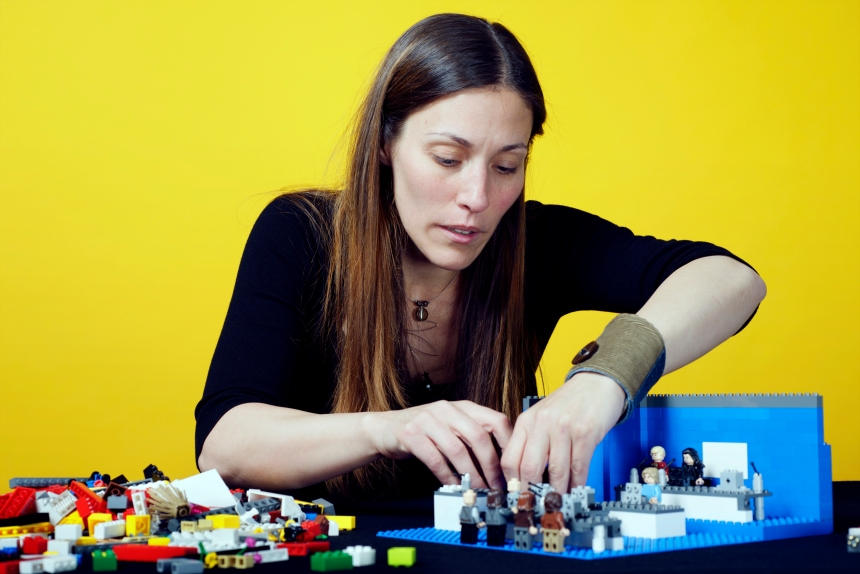 Michèle Goyette, caricaturiste en Lego