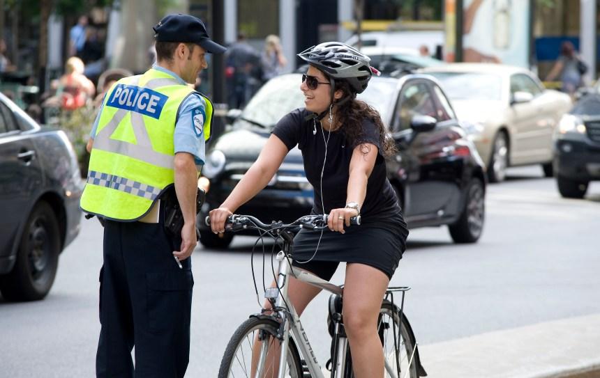Le SPVM fait de la sensibilisation auprès des cyclistes