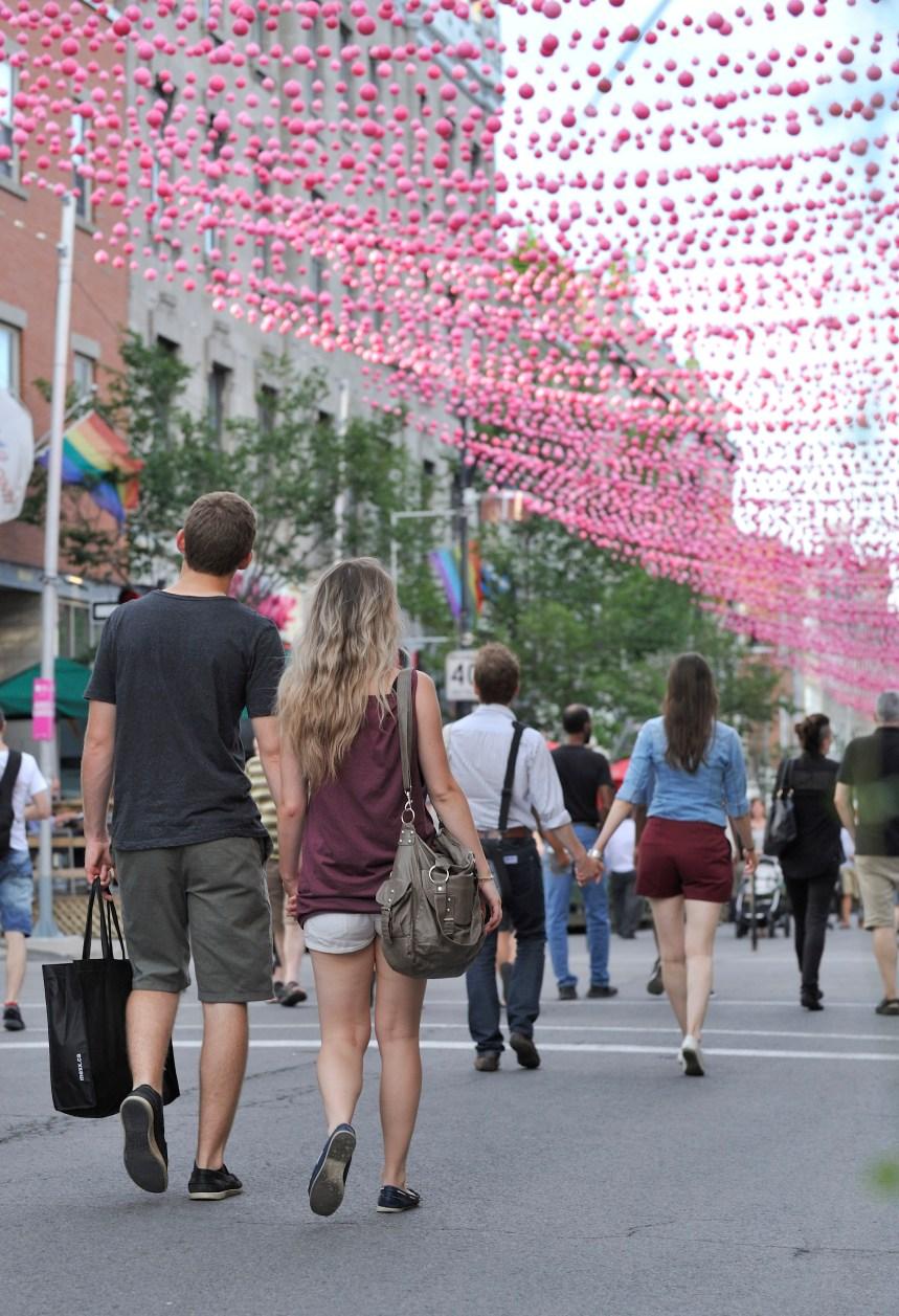 gay rencontres service Montreal vieux gars datant jeune fille appelé