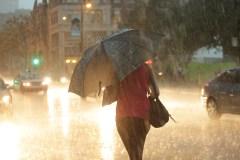 Alerte de tornade dans l'Outaouais, des milliers de foyers sans électricité à Montréal