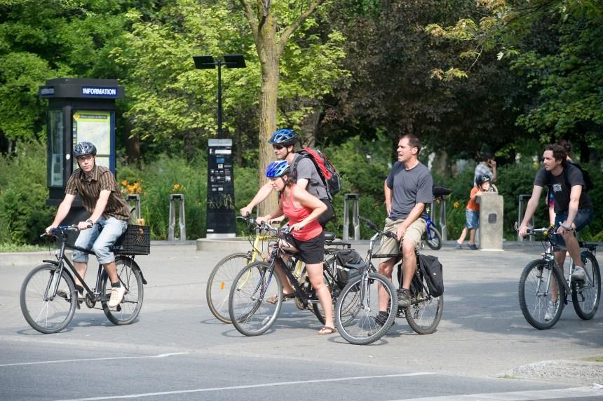 Les scooters et les joggeurs bientôt exclus des pistes cyclables