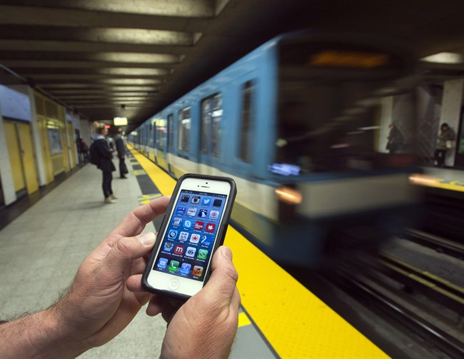 Le réseau mobile du métro entre en service