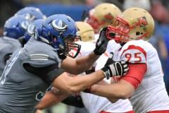 Les Carabins renversent le Rouge et Or 25-10 en finale de la Coupe Dunsmore