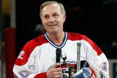L'ex-hockeyeur Guy Lafleur donne des pièces au Musée de l'arme et du bronze