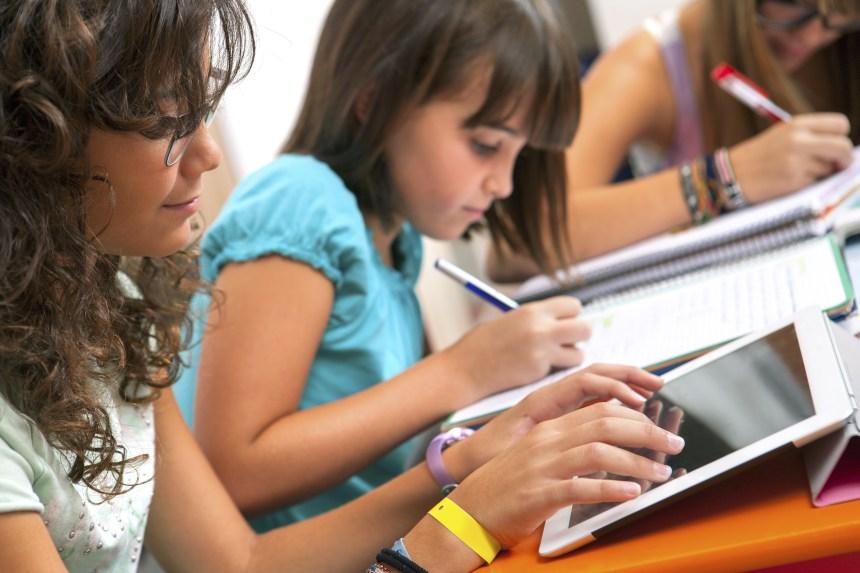 Un élève sur trois joue sur son iPad en classe