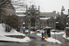 Des itinérants hébergés dans l'ancien hôpital Royal Victoria