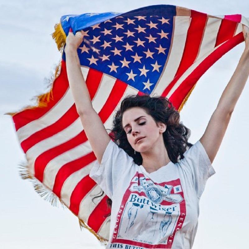 Lana Del Rey collabore avec le leader des Black Keys