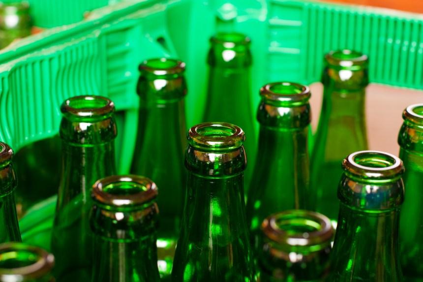 Un rapport écartant la consigne du verre au Québec mis en doute