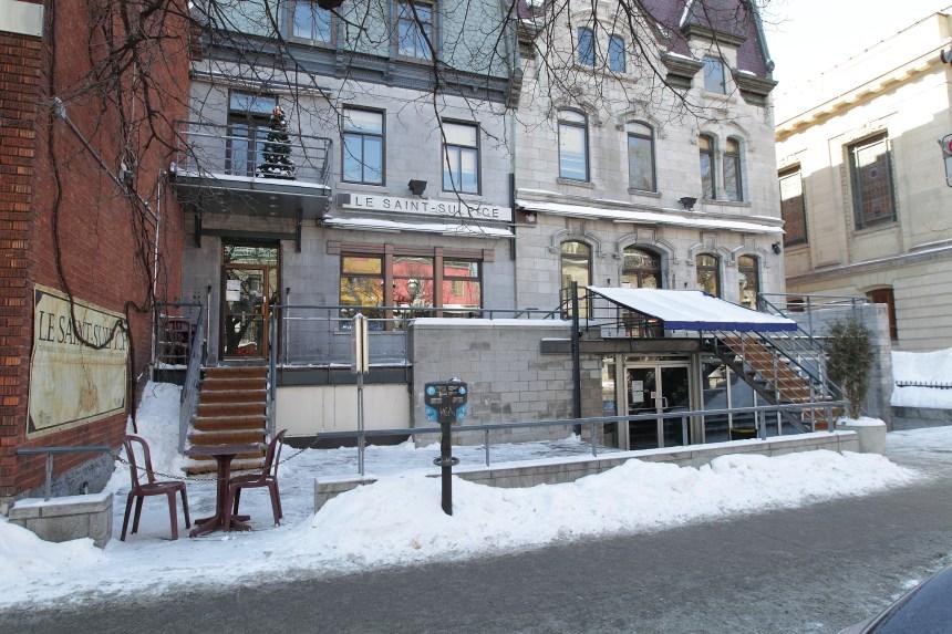 Le propriétaire du bar Le Saint-Sulpice dément les propos d'un de ses portiers