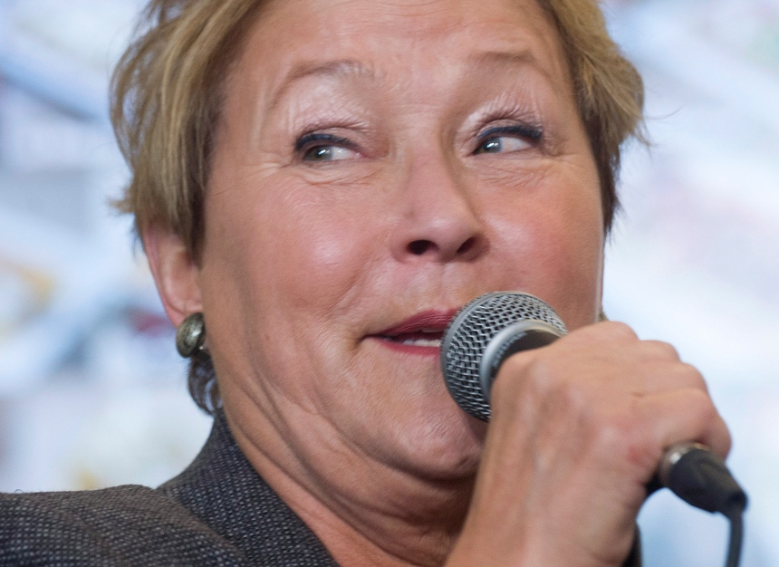 Pauline Marois se réjouit de l'engagement des femmes en politique