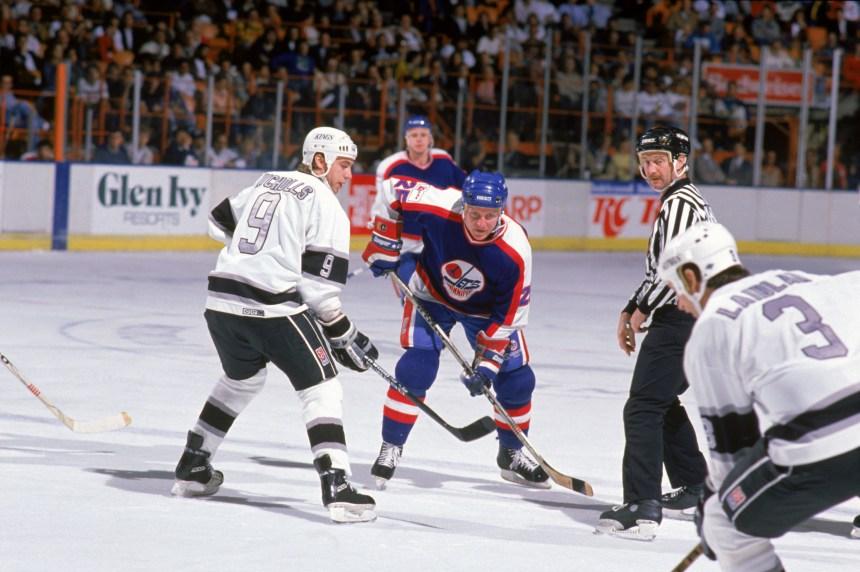L'ex-hockeyeur Thomas Steen en cour le 23 juin