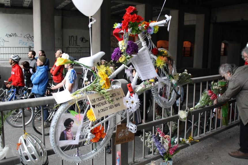 Vigile et vélo-fantôme pour Mathilde Blais