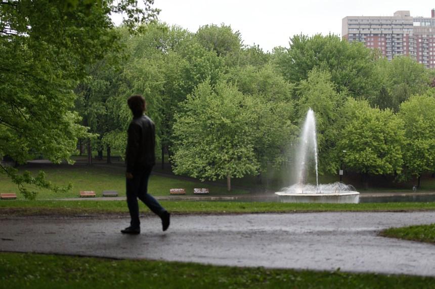 Parc La Fontaine: des centaines de citoyens présents à l'assemblée publique