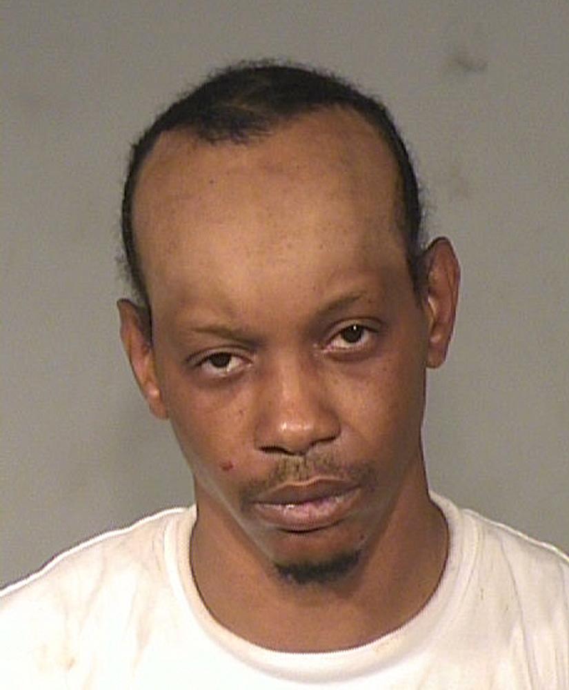 Un cambrioleur libéré par erreur assassiné