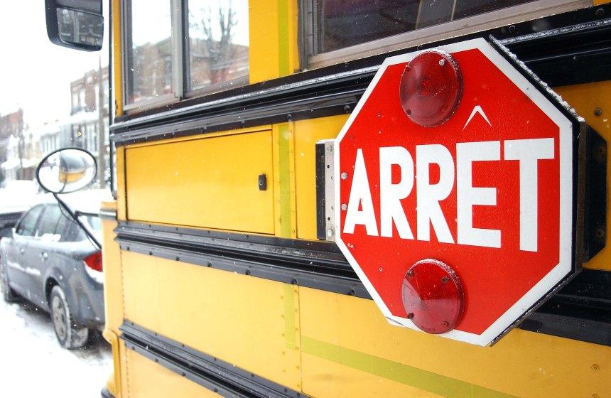 Pilules dans un autobus scolaire: la SQ enquête