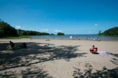 L'eau des lacs de l'Ouest-de-l'Île est bonne à s'y tremper