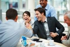 Cinq façons de rendre le travail plus amusant