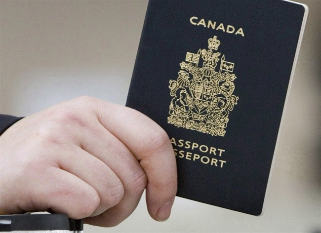 Passeports: Ottawa annonce des changements