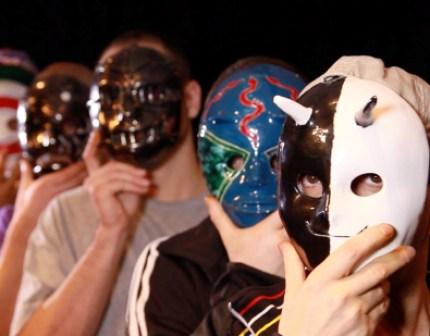 Souverains anonymes prison de Bordeaux masques