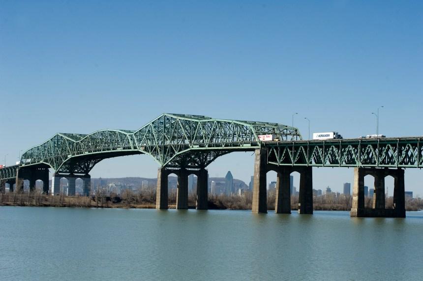 Réouverture complète du pont Champlain suite à un déversement de béton