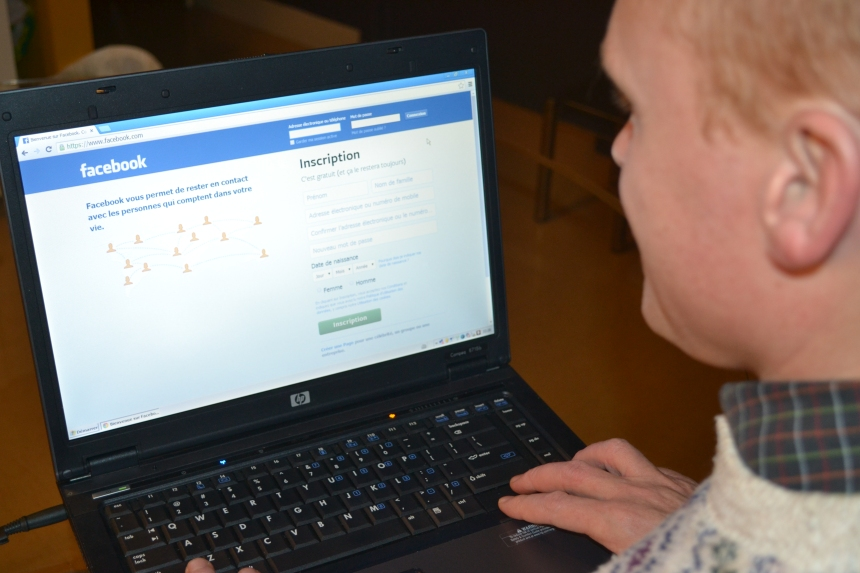 Facebook et Twitter trop coûteux pour Outremont ?