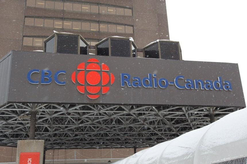 Propos sur la SRC: Harper critiqué, Lacroix muet