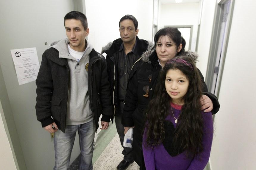 Une famille de Roms qui doit être déportée craint pour sa sécurité