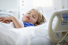 Entre 300 et 1200 enfants sans papier n'ont pas d'assurance-maladie au Québec