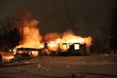 Un bâtiment résidentiel détruit par le feu à L'Île-Bizard