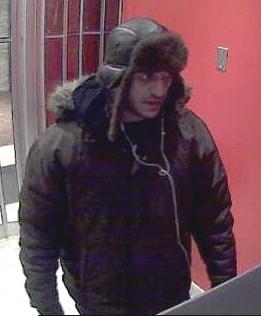 Braquage au métro Mont-Royal: un suspect recherché