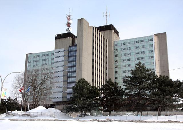 Éclosion de COVID-19 à l'Hôpital Sainte-Anne