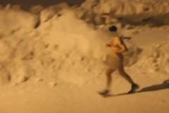 Vidéo: Qui est ce coureur nu du Parc-nature de la Visitation?