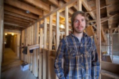 Vincent Philibert-Beaudry, actuellement sur le chantier du 3911, espère être un des futurs locataires du projet.