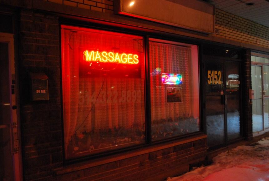 Salons de massage érotique: «Tu veux avec la main? Avec la bouche?»
