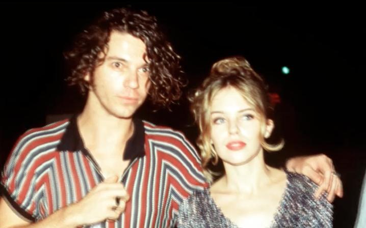 Vidéo: Kylie Minogue est convaincue que Michael Hutchence est un «ange gardien»
