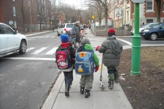 Corridor scolaire de Fairmount : discuter de la sécurité  en marchant