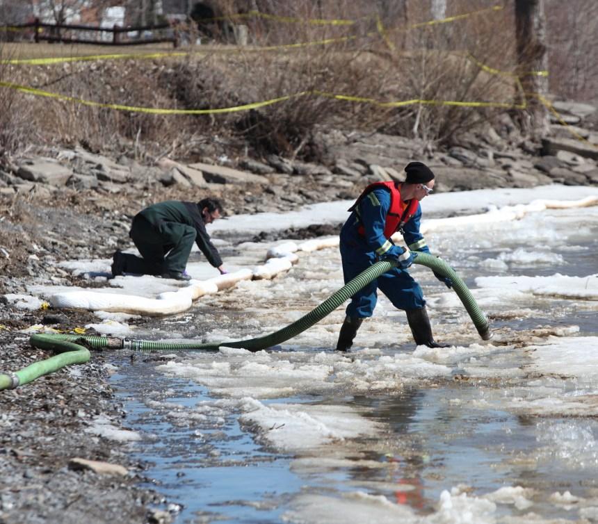Plus de 3000 galons de liquide inconnu pompés dans le lac St-Louis